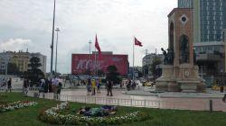 Schläfchen am Taksim-Platz