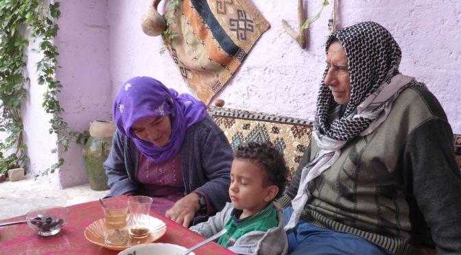 Farida, Aziz und der Nachbarsjunge