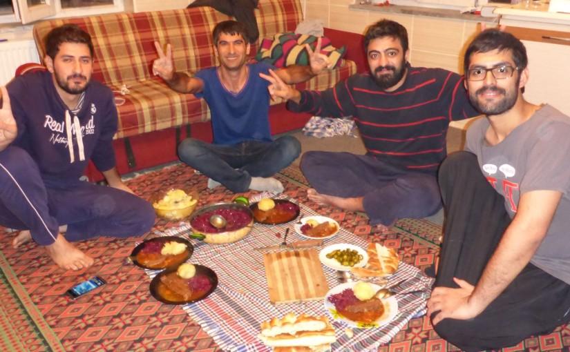 Kurdische Gastfreundschaft mit Apfelrotkohl