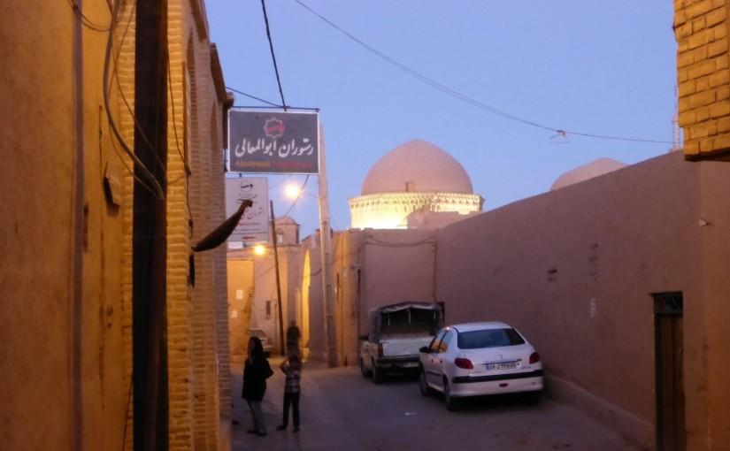 Yazd – Altstadt aus Lehm und ein Polterabend