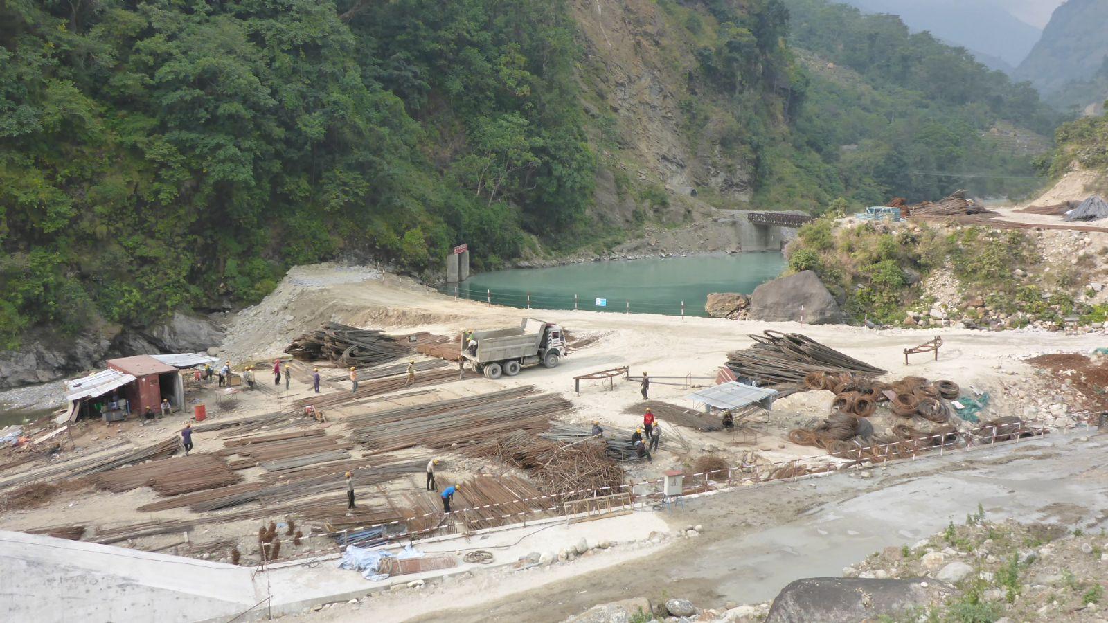 Annapurna Circuit Start - zunächst verschandelte Natur