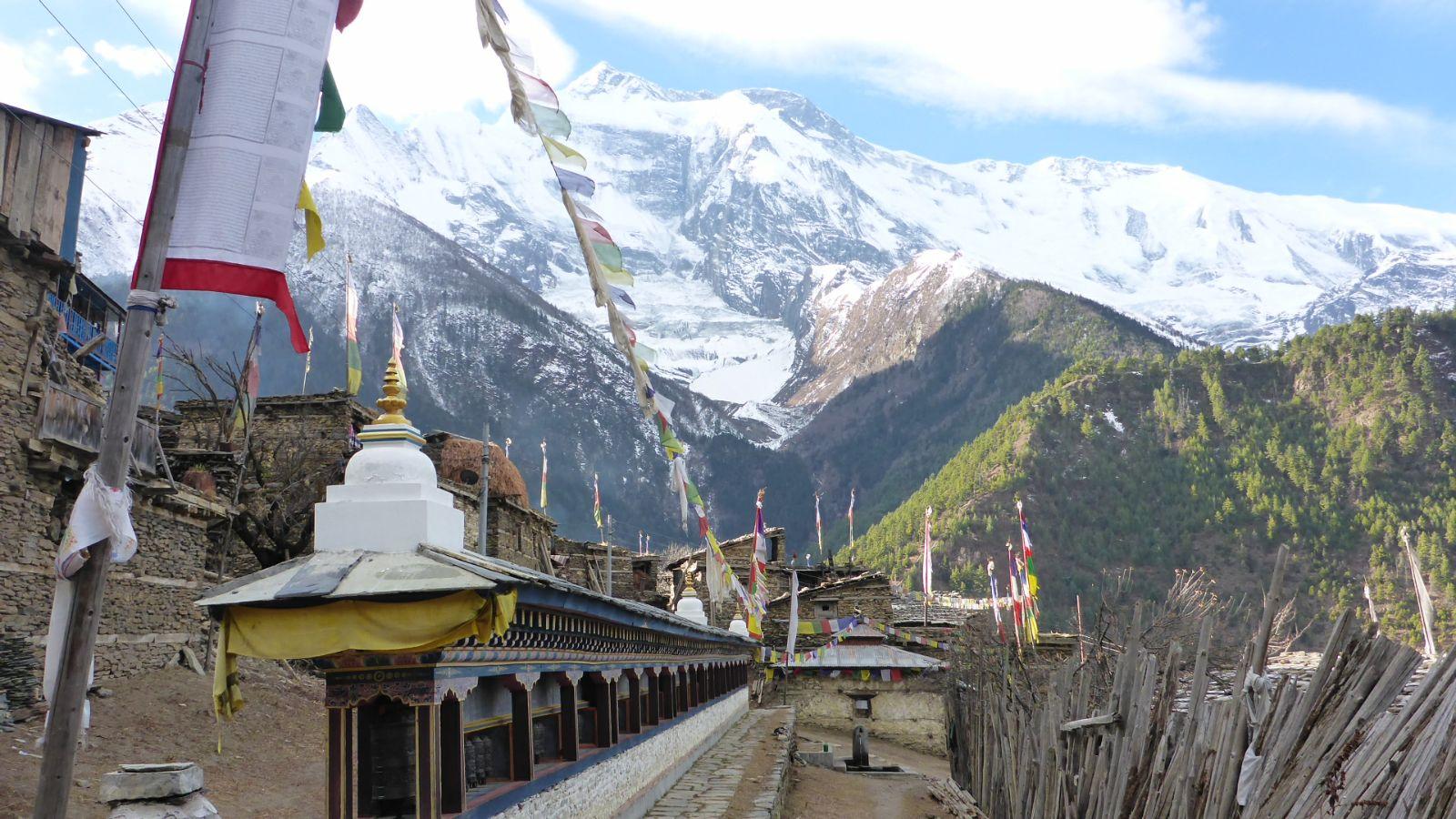 Blick zum über 8000 Meter hohen Annapurna II