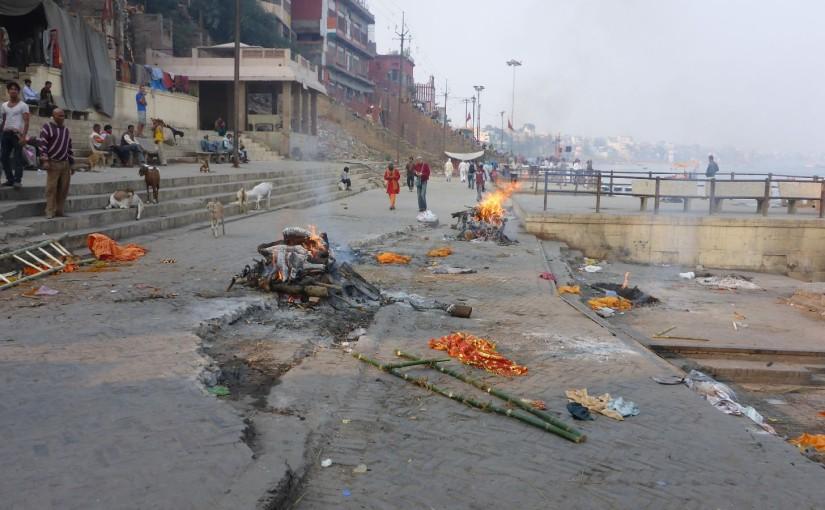 Varanasi – Totenverbrennung am heiligen Ganges