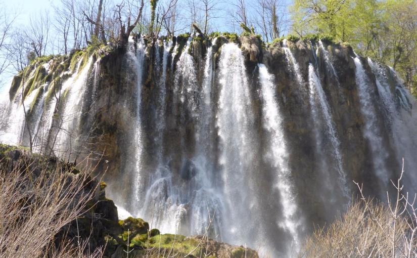 Plitvice – Tiefblaue Seen und Wasserfälle