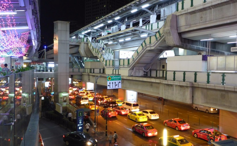 Verkehr über- und untereinander